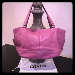 Classic Coach Leather Bag in a beautiful deep pink